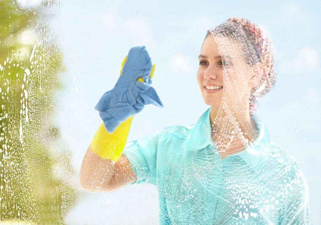 Pulire i vetri senza lasciare aloni! I 4 metodi migliori!